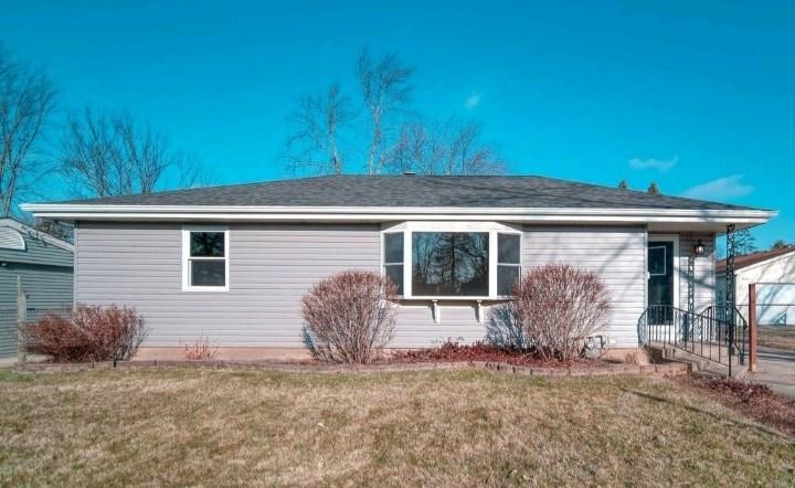 8706 W Sunset Drive, Wonder Lake, IL 60097