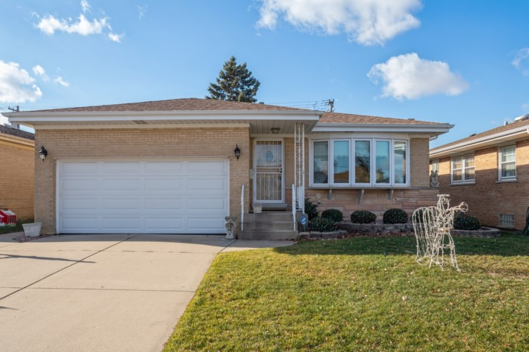 4652 N Oakview Street, Chicago-O'Hare, IL 60656