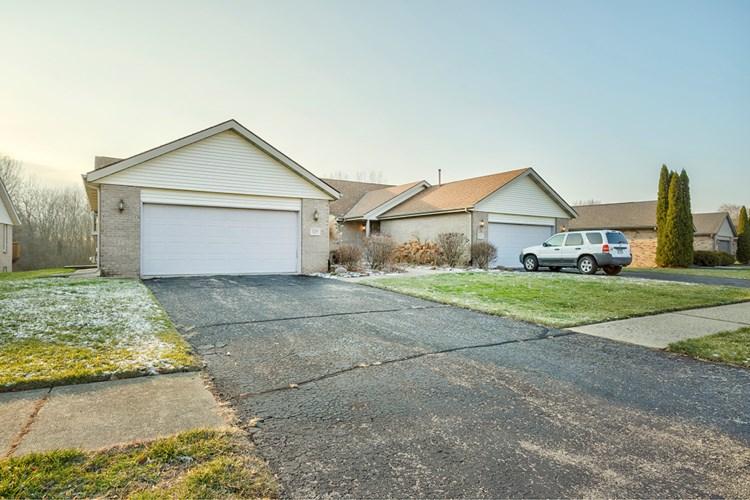 1253 Woodcreek Bend, Rockford, IL 61108