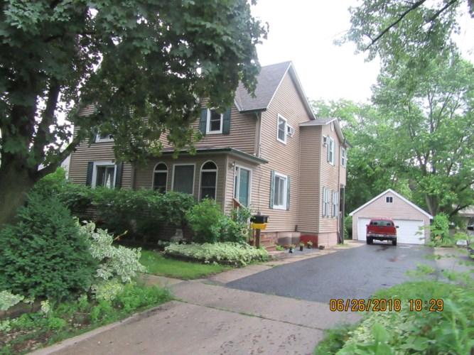 704 N 12th Street #2, DeKalb, IL 60115