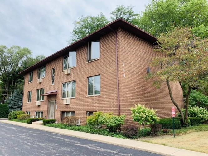 240 N Lake Street #5, Mundelein, IL 60060