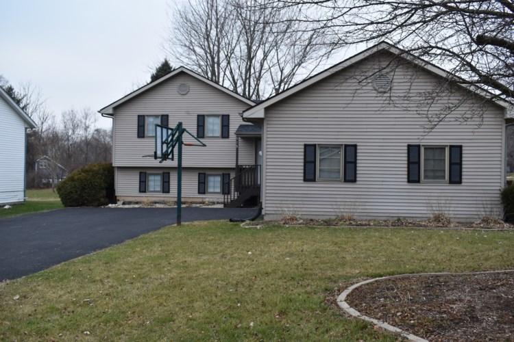515 BOUNTY Drive NE, Poplar Grove, IL 61065