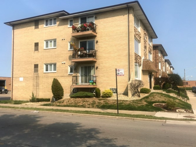 6260 S newland Avenue #1S, Chicago-Clearing, IL 60638