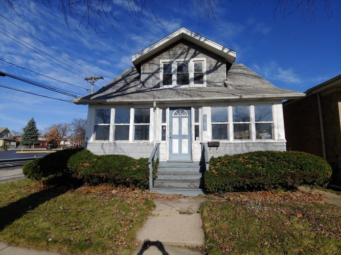 2346 Krueger Street, Blue Island, IL 60406