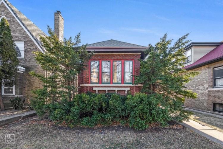 2605 W MORSE Avenue, Chicago-West Ridge, IL 60645