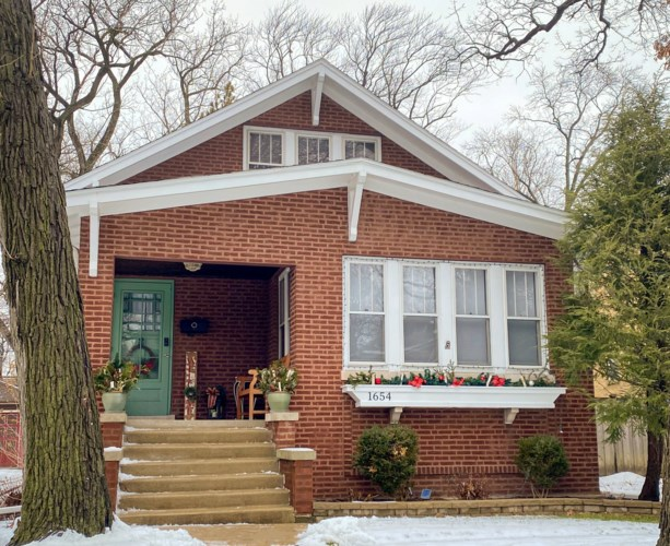 1654 W 104th Street, Chicago-Beverly, IL 60643