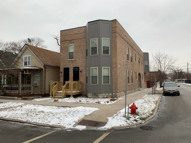 13443 Greenwood Avenue #2E, Blue Island, IL 60406