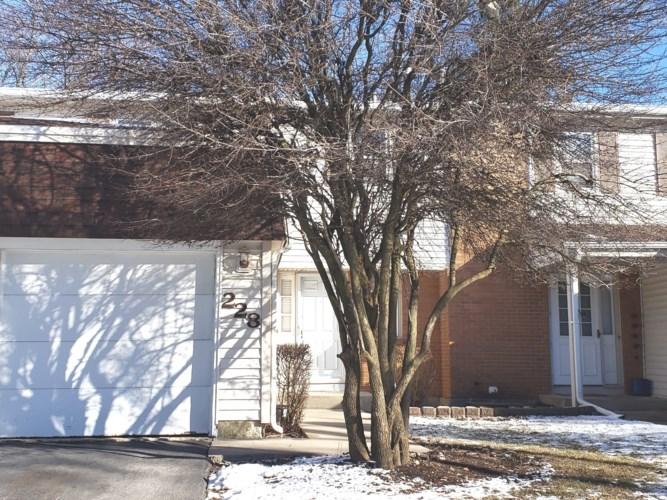228 MONROE Road, Bolingbrook, IL 60440