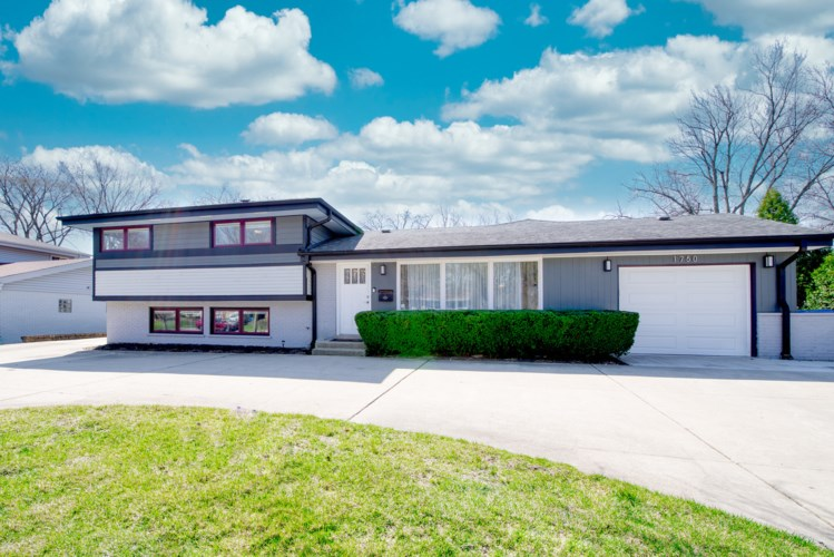 1750 Heather Lane, Highland Park, IL 60035