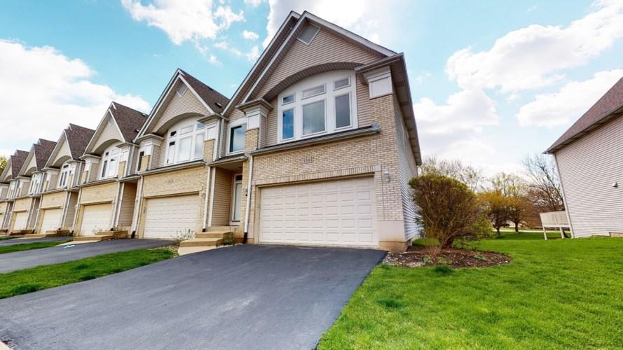 359 Aaron Lane, Bolingbrook, IL 60440