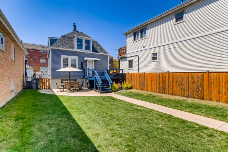 3252 N Neenah Avenue, Chicago-Dunning, IL 60634