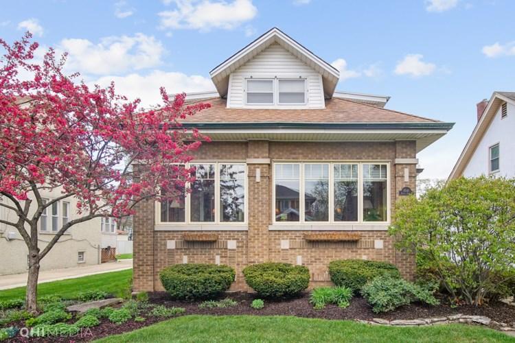 9541 S Damen Avenue, Chicago-Beverly, IL 60643