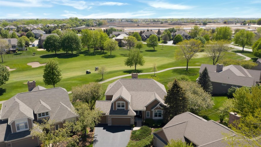 4 Torrey Pines Court, Lake In The Hills, IL 60156