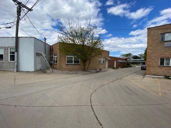 76 N Broadway Street, Des Plaines, IL 60016