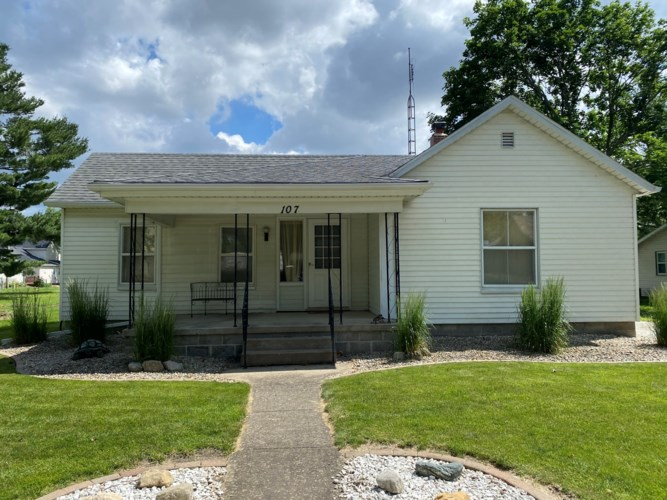 107 W 6th Street, Gridley, IL 61744
