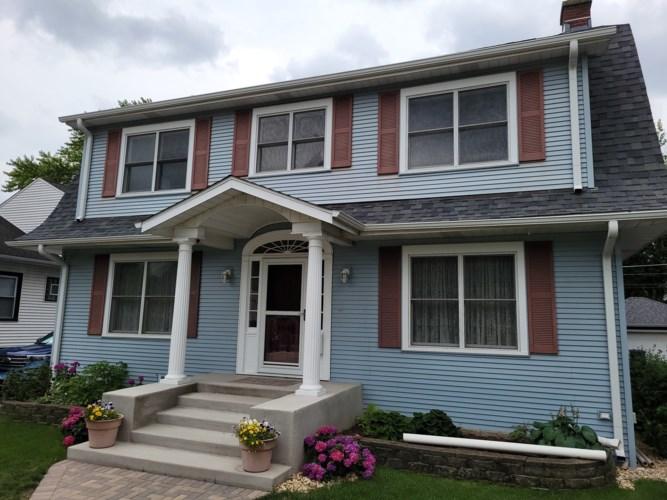 1645 Henry Avenue, Des Plaines, IL 60016