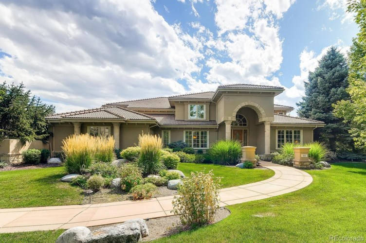 16 Foxtail Circle, Englewood, CO 80113