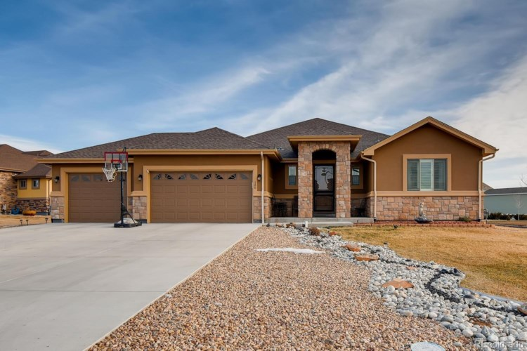 186 Corvette Circle, Fort Lupton, CO 80621
