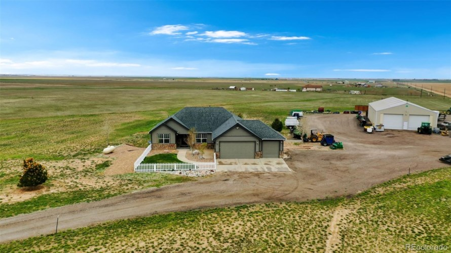 47101 E 128th Avenue, Bennett, CO 80102