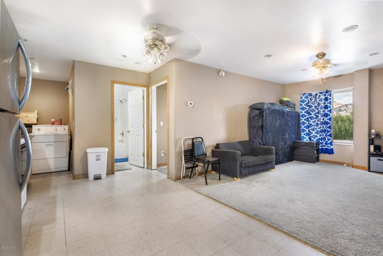 515 Red Table Drive, Gypsum, CO 81637