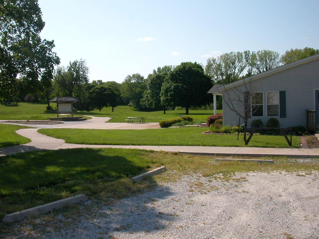 TRACT B 385 ASHLEY RD , BOONVILLE, MO 65233