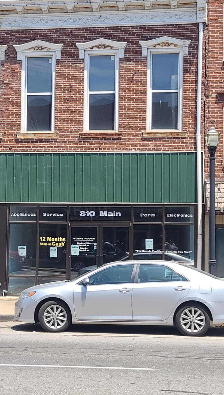 310 MAIN ST, BOONVILLE, MO 65233