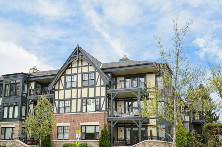 6901 Murray Avenue  #303, Mariemont, OH 45227