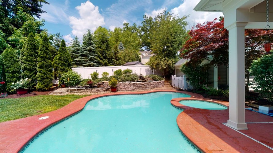 78 Reily Road, Wyoming, OH 45215