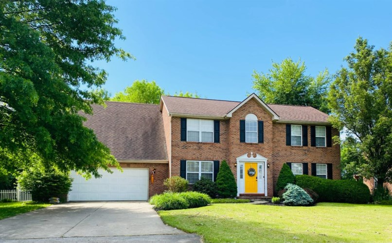 124 Fawn Lane, Blanchester, OH 45107