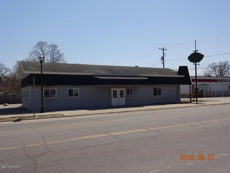 276 S Charles Street, White Cloud, MI 49349