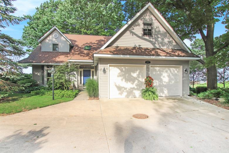 4223 N Lakeshore Drive, Holland, MI 49424