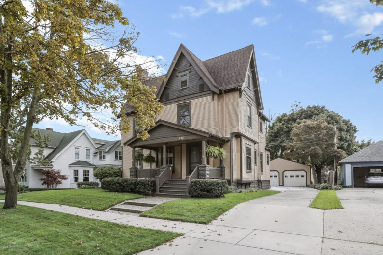 602 Lafayette Avenue, Grand Haven, MI 49417