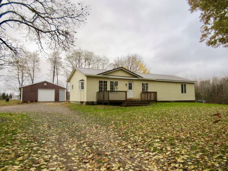 3311 E Sessions Road, Sheridan, MI 48884