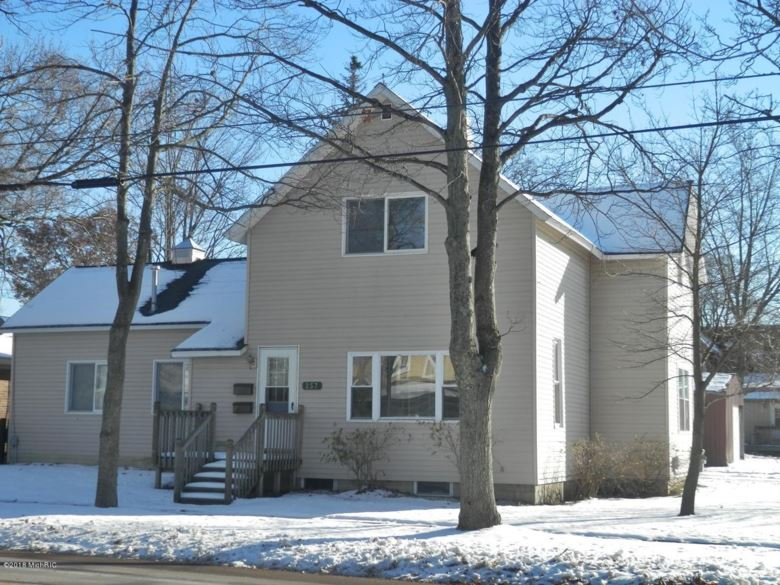 257 Second Avenue, Manistee, MI 49660