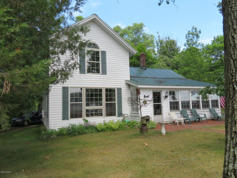 63164 W Fish Lake Road, Sturgis, MI 49091