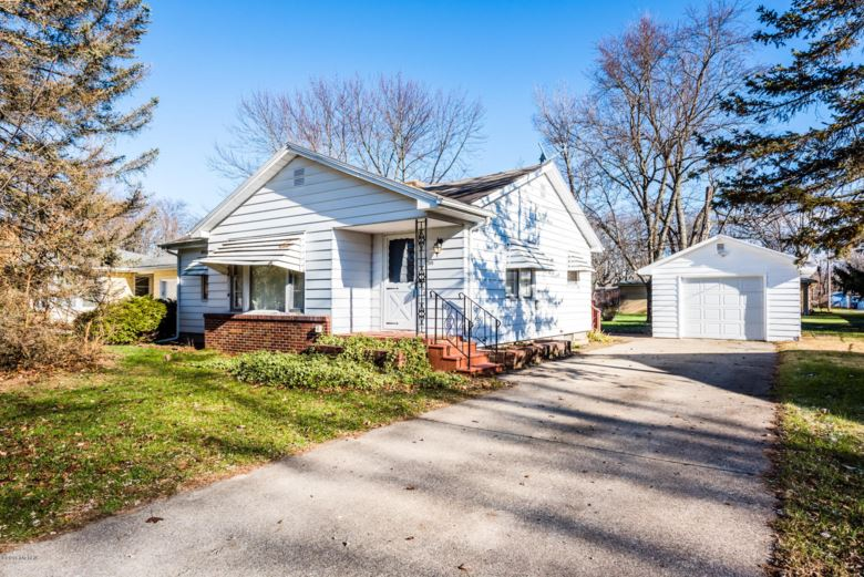 2015 Russell Road, Benton Harbor, MI 49022