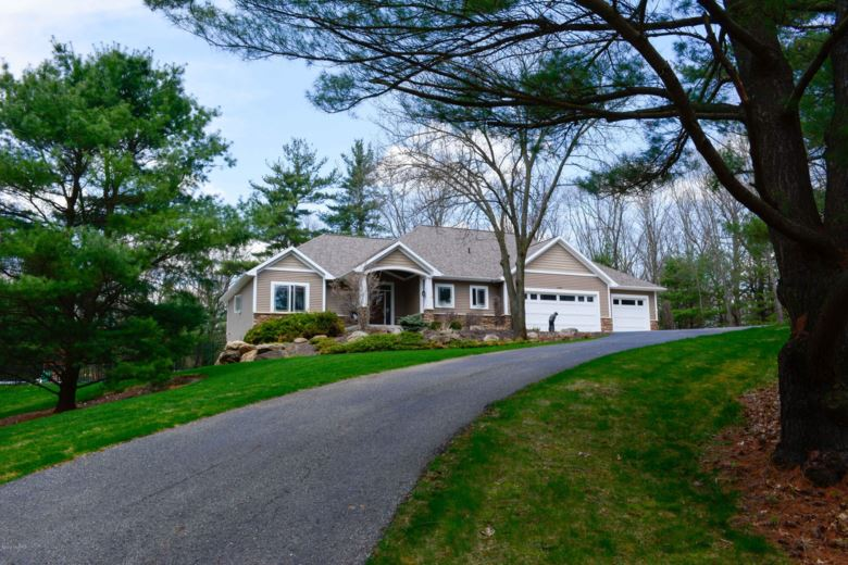 13505 Hill Country, Lowell, MI 49331