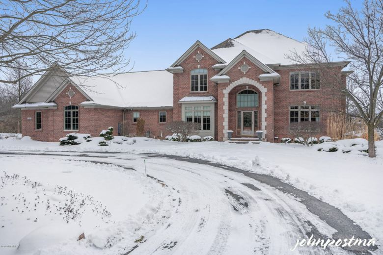 1280 ROYAL COUNTY DOWN SE, Grand Rapids, MI 49546