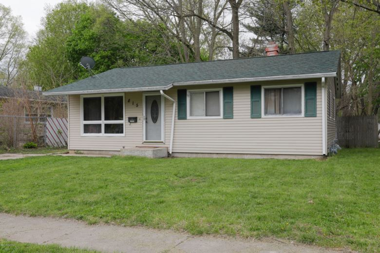 815 S Constantine, Three Rivers, MI 49093