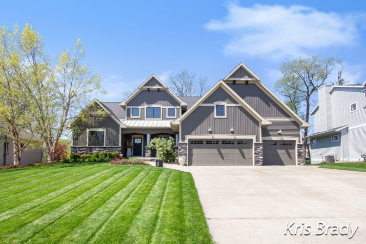5108 W Village Trail SE, Ada, MI 49301