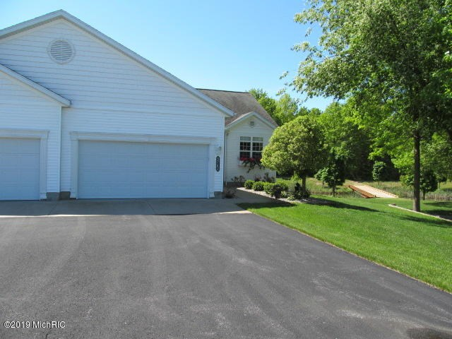 5742 Stillwater Trail, Fruitport, MI 49415