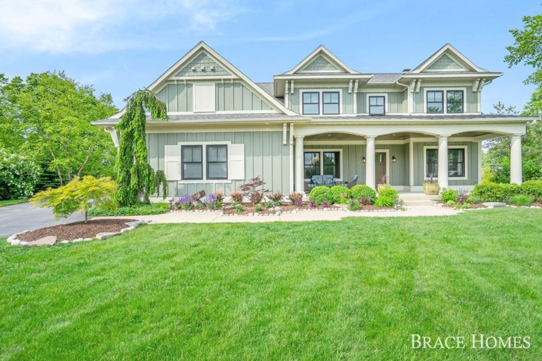 2524 SHEARS CROSSING Court NE, Grand Rapids, MI 49525
