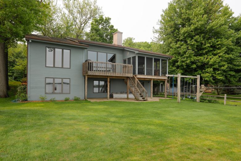 3301 Woodhams Avenue, Portage, MI 49002