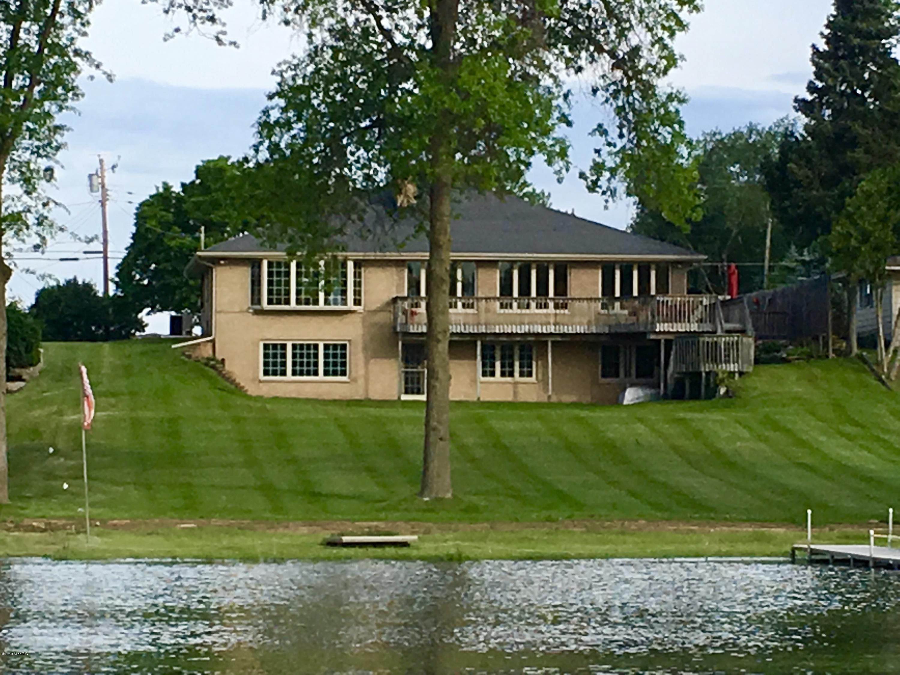12141 Highview Shores, Vicksburg, MI 49097