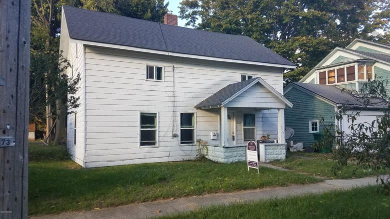 205 W Bennett Street, Three Rivers, MI 49093