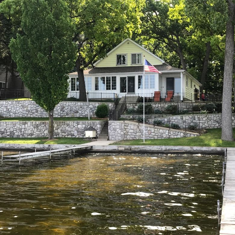 740 Waterfront, Coldwater, MI 49036