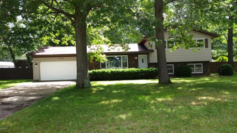 1740 Duchess Court, Muskegon, MI 49445