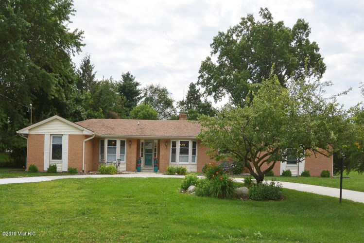 164 Lodge Lane, Kalamazoo, MI 49009