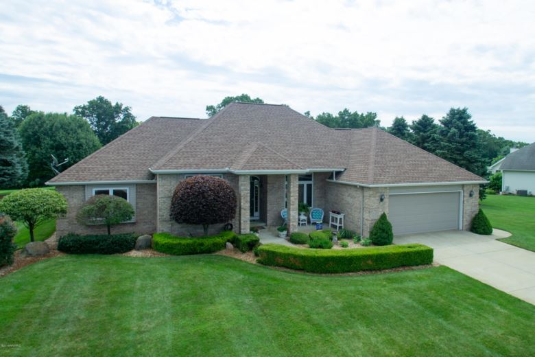 102 Capercaillie Ln, Battle Creek, MI 49014