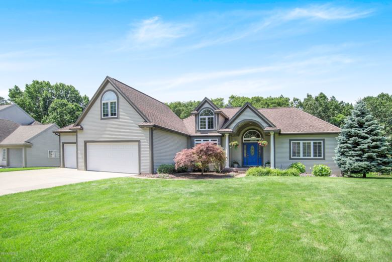 16655 Northwood Trail, Spring Lake, MI 49456